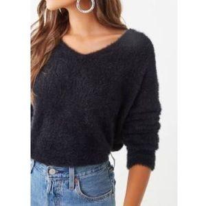🤩NWT🤩Cozy/Fuzzy Black V-Neck Sweater- S/M